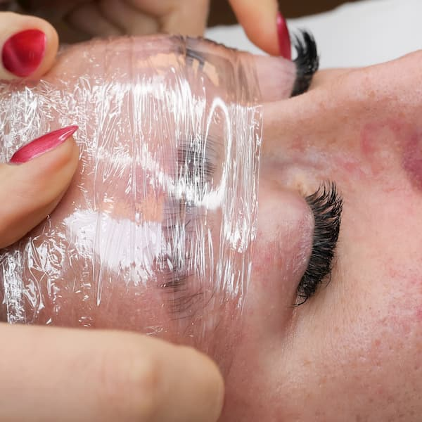Cling film will help to fix the eyebrows into shape during the eyebrow lamination treatment.